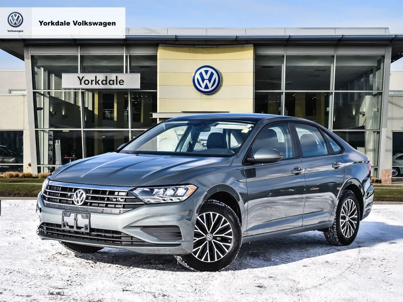 Certified Pre-Owned 2019 Volkswagen Jetta Highline 1.4T 8sp at w/Tip