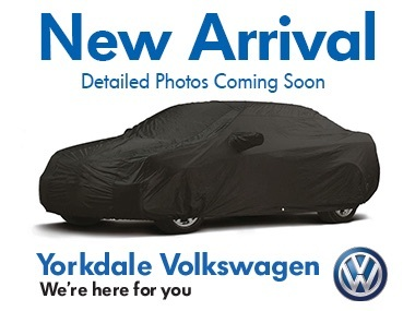 Certified Pre-Owned 2017 Volkswagen Jetta Highline 1.8T 6sp at w/Tip