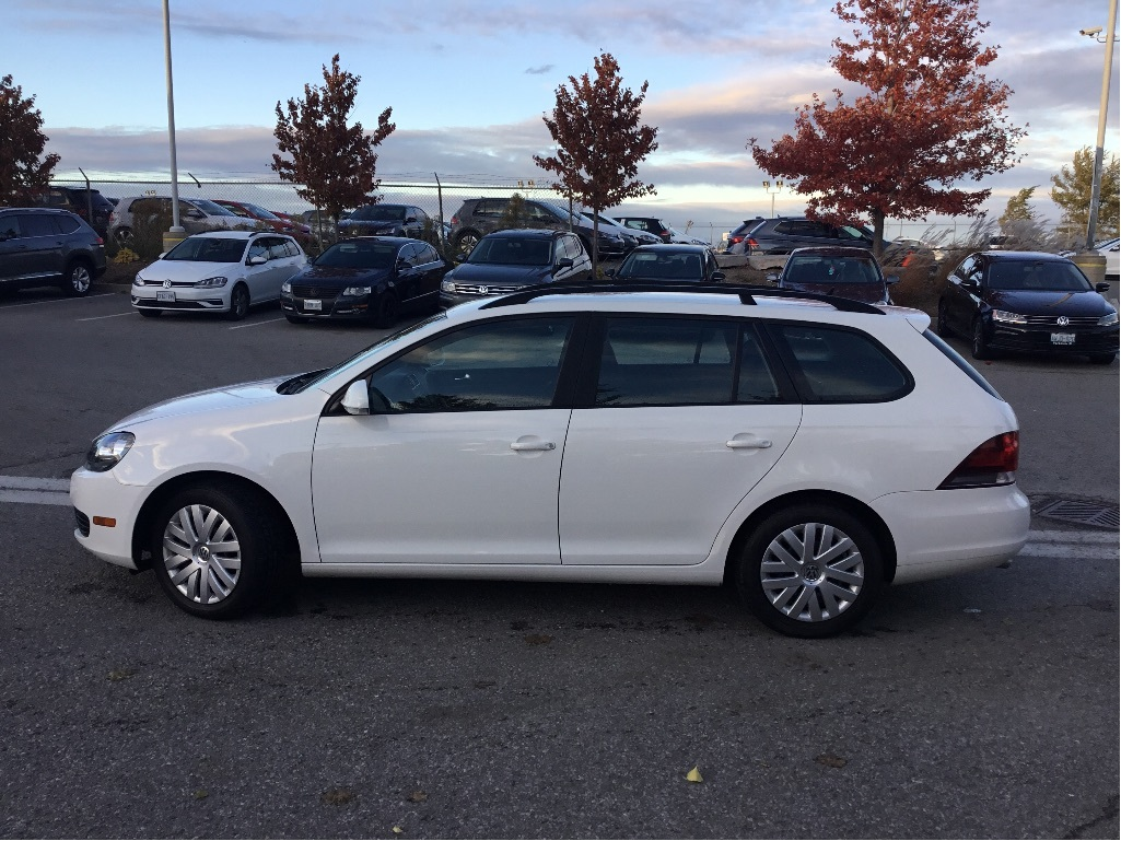 Certified Pre-Owned 2013 Volkswagen Golf Wagon Trendline 2.5 at Tip