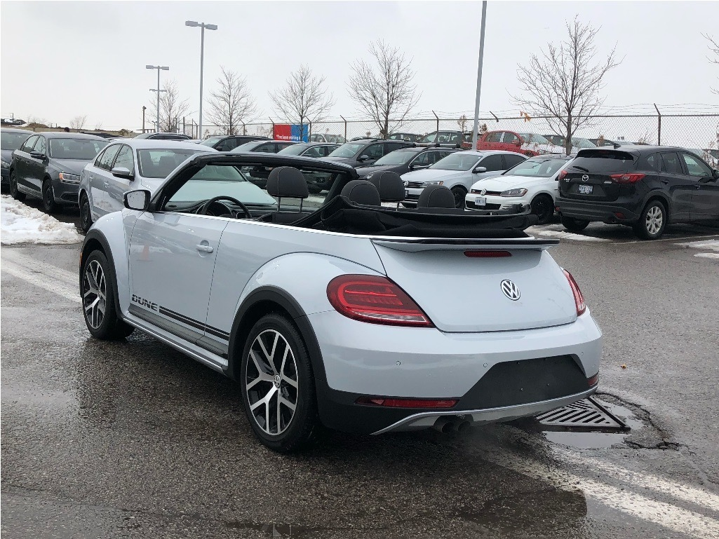 Certified Pre-Owned 2018 Volkswagen The Beetle Dune Convertible 2.0T 6sp at w/Tip