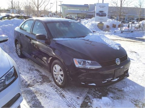 Certified Pre-Owned 2013 Volkswagen Jetta Trendline plus 2.0 6sp w/Tip